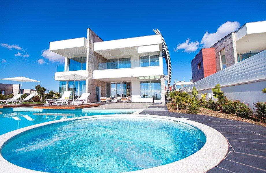 Biệt thự và hồ bơi Aria Residences Đảo Síp