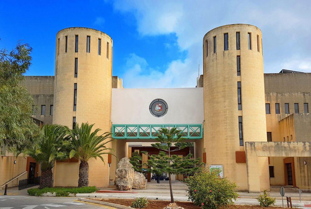 đại học malta